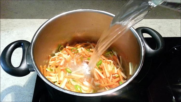 voda do polévky