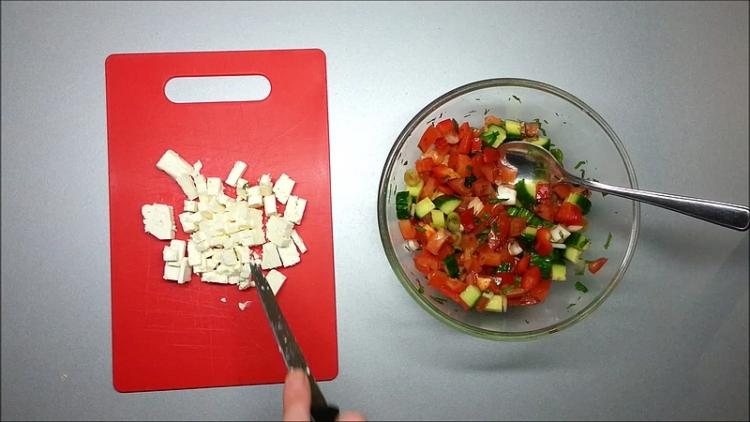 Salát s balkánským sýrem